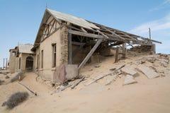 НАМИБИЯ, KOLMANSKOP - 14-ОЕ СЕНТЯБРЯ 2014: Город-привидение Стоковая Фотография