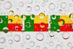Намочите падения на стекле и сигаретах Бенина Стоковое Фото