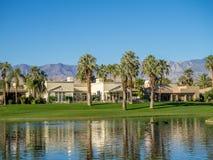 Намочите характеристики на поле для гольфа на веснах пустыни Jw Marriott стоковая фотография