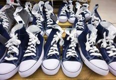 Наоборот ботинки стоковая фотография rf