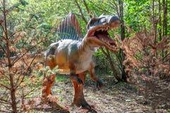 Нападение доисторического динозавра Spinosaurus стоковое фото rf