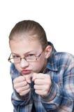 Нападения девочка-подростка с кулаками, стоковое изображение