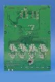Напечатанная зеленым цветом материнская плата компьютера с микросхемой Стоковое Изображение