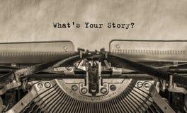 Напечатанный текст на бумаге какое ` s ваш рассказ? стоковая фотография