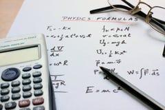 написанная белизна физики формул бумажная Стоковые Изображения RF