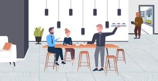 Напитки официанта служа к женщине человека пар предпринимателей имея концепцию пункта кофе времени дела перерыва плоско полную бесплатная иллюстрация