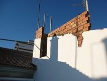 Наполовину законченная стена террасы на крыше стоковая фотография rf
