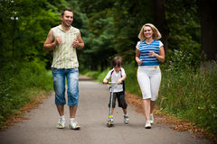 напольное семьи счастливое Стоковое фото RF