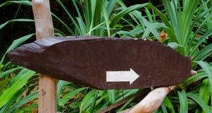 Напольный деревянный указатель Стоковое Изображение