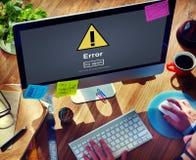 Напоминание ошибки ошибки онлайн остерегает бдительную концепцию стоковые изображения rf