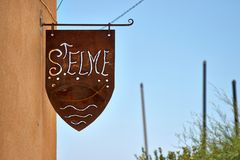 Направление указателей к Ла Seyne St Elme порта Стоковая Фотография