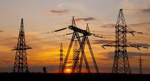 напряжение тока опоры электричества высокое Стоковая Фотография RF