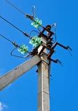 напряжение тока опоры электричества высокое Стоковые Фото