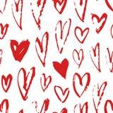 Нарисованная рукой картина краски безшовная Красная и белая предпосылка сердец вектора Абстрактный чертеж щетки Стоковая Фотография