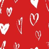 Нарисованная рукой картина краски безшовная Красная и белая предпосылка сердец вектора Абстрактный чертеж щетки Стоковая Фотография RF