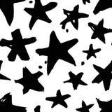 Нарисованная рукой картина краски безшовная Черно-белая предпосылка звезд Стоковые Изображения RF