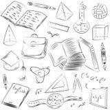 Нарисованные рукой символы школы Чертежи шарика, книги детей, Pensils, правители, склянка, компас, стрелки Стоковая Фотография RF