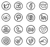 Нарисованные рукой социальные значки средств массовой информации иллюстрация штока