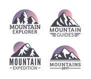 Нарисованный рукой комплект логотипа гор Значки вектора лыжного курорта, элементы силуэта горы Стоковое Изображение RF