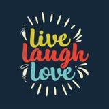 Нарисованный рукой плакат оформления ` В реальном маштабе времени влюбленности смеха вдохновляющего ` цитаты r иллюстрация вектора
