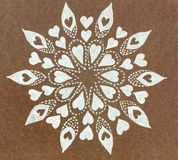 Нарисованный рукой серебристыми круг сердца сделанный по образцу формами Стоковые Изображения