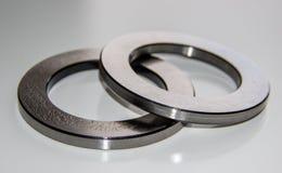 2 наружных кольца для подшипника ролика тяги смазанного в смазке подшипника Стоковая Фотография RF