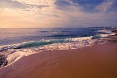 Нарушенный океан на портовом районе Эшторил Португалия Стоковое Фото
