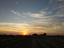 Насладитесь красотой любов природы острословия захода солнца стоковые изображения rf