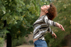 наслаждает здоровыми детенышами женщины жизни Стоковые Фотографии RF