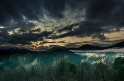 Наслаждаться заходом солнца на Huilo Huilo Стоковые Изображения
