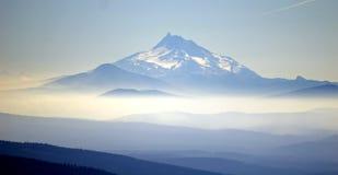 наслаивает гору Стоковое Изображение