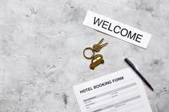 Насмешка взгляд сверху предпосылки стола камня формы для заявления гостиничного номера резервирования вверх Стоковые Изображения RF