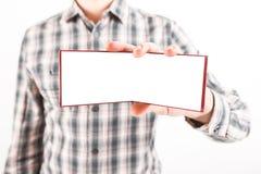 Насмешка дизайна кредитной карточки визитной карточки выставки человека съемки крупного плана белая Стоковые Фото