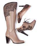 насос колена бежевого ботинка лодыжки высокий Стоковое Фото