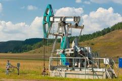 насос масла Россия индустрии Нефтедобывающая промышленность equipment фильтрованное изображение масляного насоса j Стоковые Фото