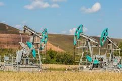 насос масла Россия индустрии Нефтедобывающая промышленность equipment фильтрованное изображение масляного насоса j Стоковая Фотография