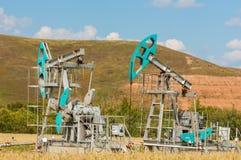 насос масла Россия индустрии Нефтедобывающая промышленность equipment фильтрованное изображение масляного насоса j Стоковые Изображения