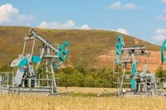 насос масла Россия индустрии Нефтедобывающая промышленность equipment фильтрованное изображение масляного насоса j Стоковые Изображения RF