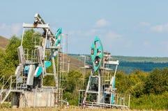 насос масла Россия индустрии Нефтедобывающая промышленность equipment фильтрованное изображение масляного насоса j Стоковая Фотография RF