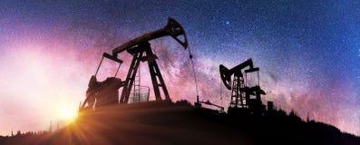 Насос на заднем плане звезд в Карпатах Стоковое фото RF