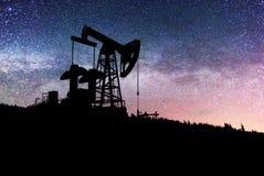 Насос на заднем плане звезд в Карпатах Стоковые Изображения RF