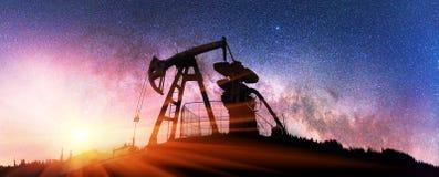 Насос на заднем плане звезд в Карпатах Стоковая Фотография