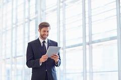 Настаивая корпоративные планы с digtial техником Стоковая Фотография RF