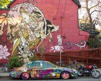 Настенная роспись рынка Kensington и автомобиль Торонто сада Стоковое фото RF