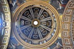 Настенные росписи, мозаика и картины на потолке St Peter b Стоковые Изображения