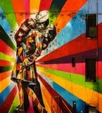 Настенные росписи Нью-Йорка - матрос целуя девушку - конец войны Стоковое Изображение RF