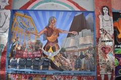 Настенные росписи переулка фанфаров очень красивые очень творческие, 7 Стоковое фото RF