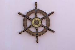 Настенные часы сделанные от управления рулем шлюпки Стоковое Изображение