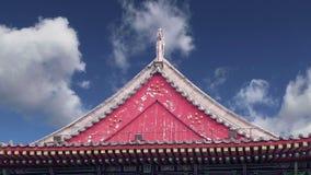 Настелите крышу украшения на пагоде гусыни территории гигантской одичалой, буддийская пагода расположенная в южном Xian Sian, XI  акции видеоматериалы