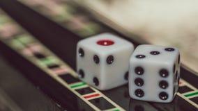 Настольная игра нард, косточек на доске Стоковая Фотография
